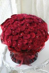 100 Long Stem Premium Roses Handtie
