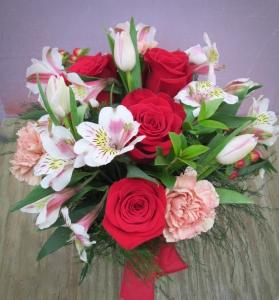 Roses 'N More