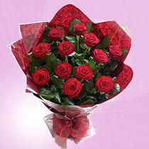 12 X Valentine Red  Roses