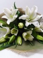 Simple Oriental Lily Wrap