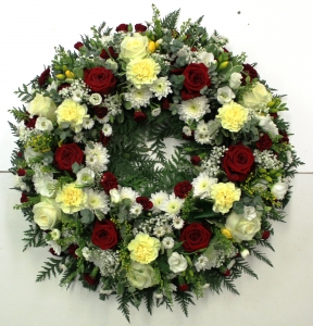 16 Inch Mixed Wreath
