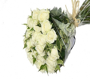 24 Luxury White Roses
