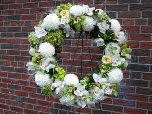 """Sympathy Wreath 24"""""""