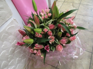 Lillie And Rose Handtied