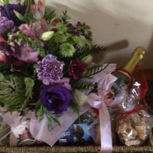 Flower & Gift Hamper