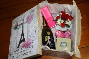 Flourish Gift Box