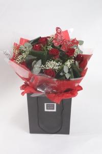Luxury 12 Red Naomi Roses