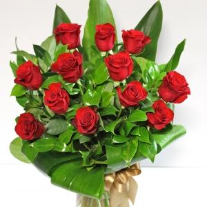 Se'est Leve 12 Red Roses