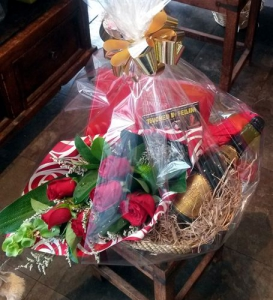 Rose Gift Basket Special