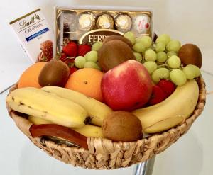 Large Fruit Basket