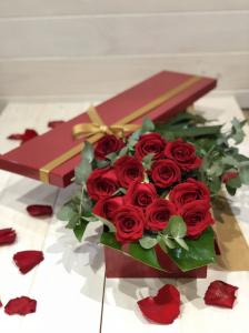 12 Roses In Rose Box
