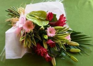 Flat Bouquet With  Twist