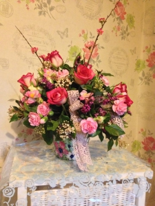 Rose And Lace Arrangment
