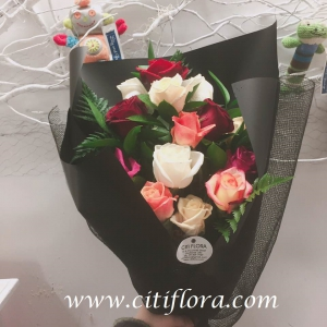 Mixed Romantic Roses