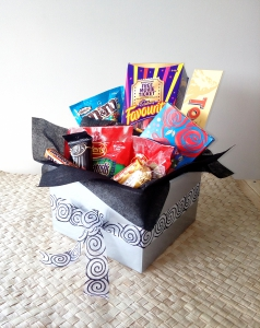 Chocolate & Lolly Hamper