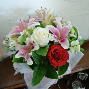 Rose & Lilly Arrangement
