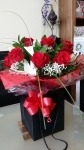 6 Gift Wrapped Roses