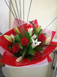 Red Roses White Lilys