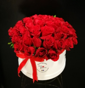 50 Red Roses In Box