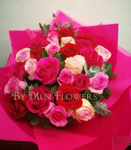 25 Large Roses Mix Color