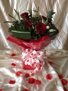 Valentine Posy Box Red