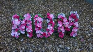 Floral Letter Frame MUM
