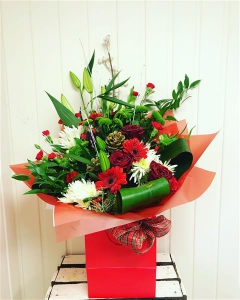 Deluxe Yuletide Hand Tied