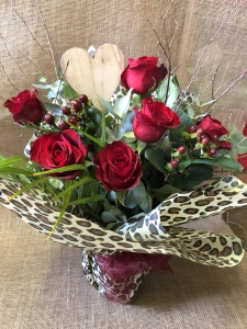 Sumptuous Six Red Roses