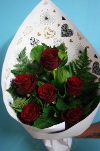 6 Roses Gift Wrapped