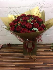 18 Luxury Red Rose Ht