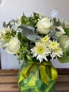 Neutral Hand Tied