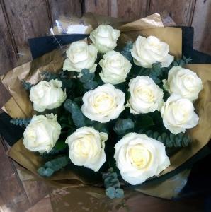 Classic Dozen Roses:White