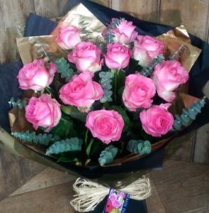 Classic Dozen Roses:Pink