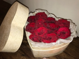 Grand Red Roses Hatbox
