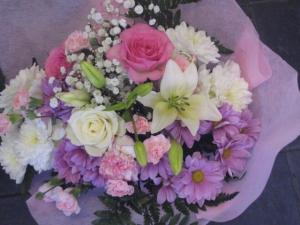 Mums Handtied Bouquet