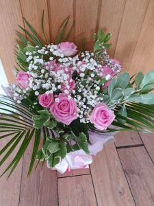 12 Pink Rose Hand Tied