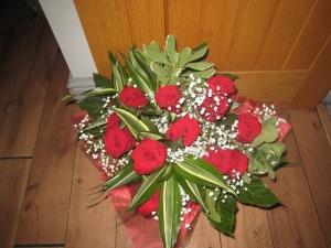 12 Red Rose Handtied