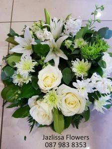 Green/ White Wreath