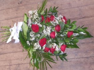 12 Red Rose Tied Sheaf