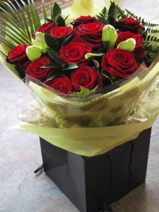 Classic Dozen Red Roses Aqua (in Water)