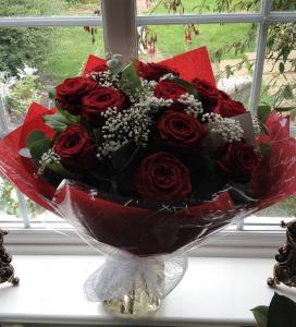 Dozen Best Red Roses
