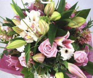 A Luxury Hand Tied Bouque
