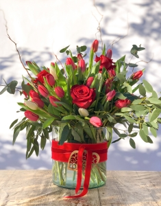 Two Lips & Rose Vase