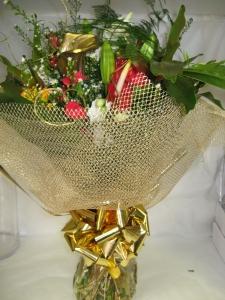 Aqua Pack Hantied Bouquet