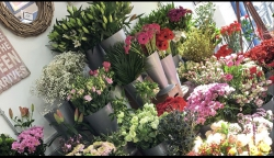 D and R Flowers