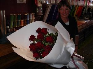 DOZEN Long Stemmed Roses