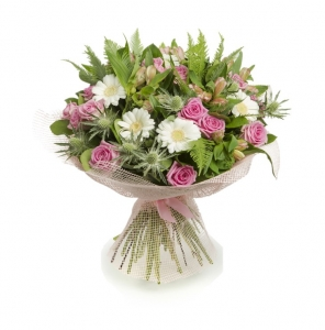 Bouquet of pink roses and gerberas