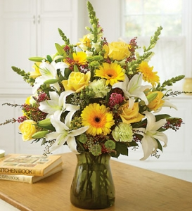 Lily Vase In Yellow